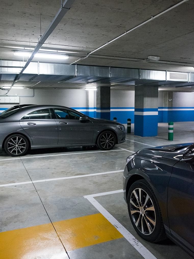 cotxes aparcats pàrquing la fe